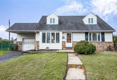 188 Norman Dr East Meadow NY 11554