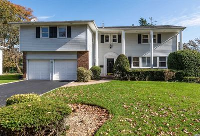 76 Birch Hl Searingtown NY 11507
