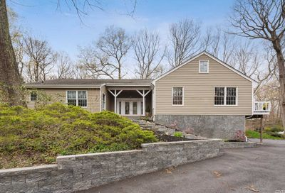 37 Laurel Cove Rd Oyster Bay Cove NY 11771