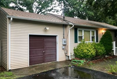 9 Greencrest St Lake Grove NY 11755