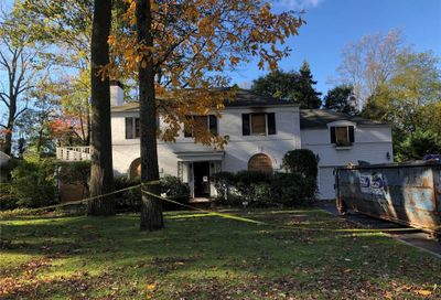 36 Meadow Woods Rd Great Neck NY 11020