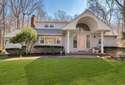 38 Laurel Cove  Rd Oyster Bay Cove NY 11771
