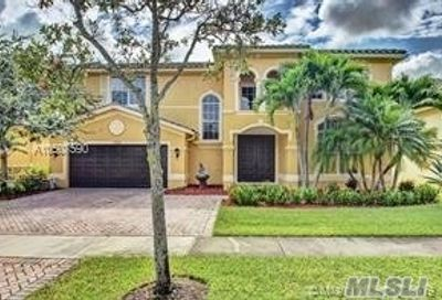 3754 W Gardenia Ave Out Of Area Town FL 33332