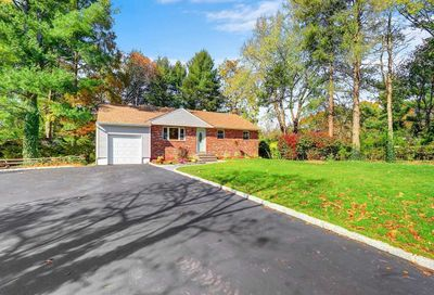 4 Lower Rd Smithtown NY 11787
