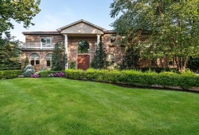 3 Rustic Lane Roslyn Heights NY 11577