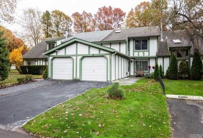 143 Eagle Hill Ct Middle Island NY 11953