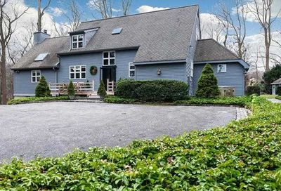 96A Cove Rd Oyster Bay Cove NY 11771