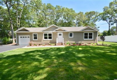 37 Dietz Ave Lake Grove NY 11755