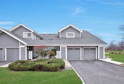 375 Quarry Pond Ct Moriches NY 11955