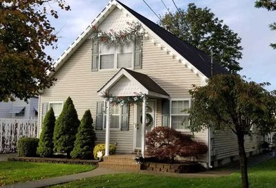 2437 Amherst St East Meadow NY 11554
