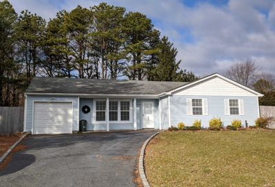 174 Wading River Hol Rd Middle Island NY 11953