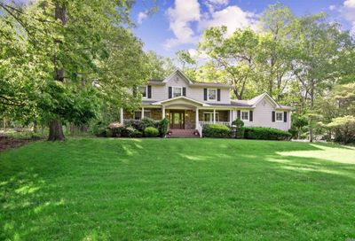 67 Hastings Dr Northport NY 11768
