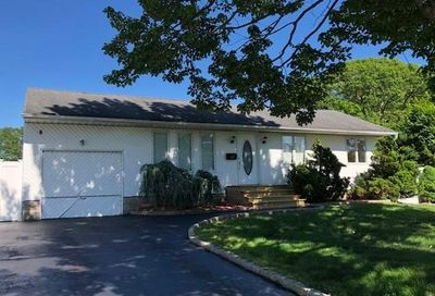 611 Connetquot Ave Islip Terrace NY 11752