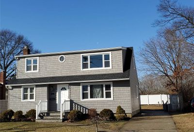 572 Oakdale Rd East Meadow NY 11554
