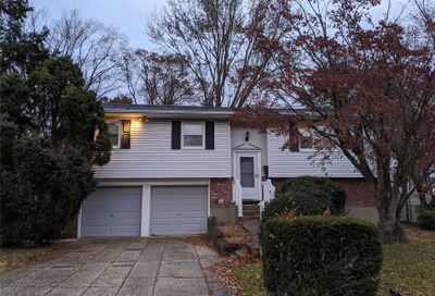 17 Andover Dr Deer Park NY 11729