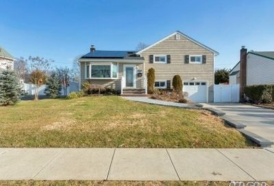 365 Bellmore Rd East Meadow NY 11554