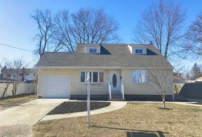 210 Front Ave Brentwood NY 11717