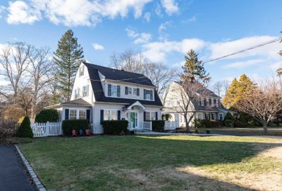 521 Pine Acres Blvd Brightwaters NY 11718