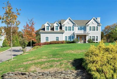 108 Woods Ct Old Brookville NY 11545