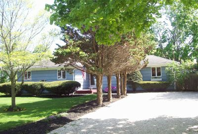 10 Harts Rd East Moriches NY 11940