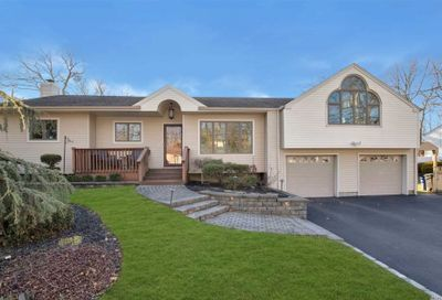 1008 Westminster Ave Dix Hills NY 11746