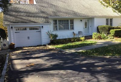 15 Vernon Ave East Norwich NY 11732