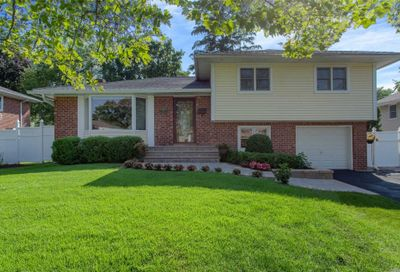54 Cawfield Ln Melville NY 11747