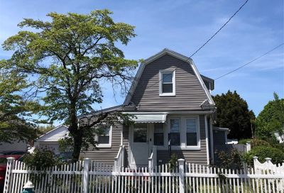 372 Roquette Ave Floral Park NY 11001
