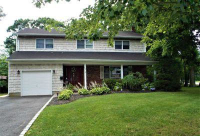 555 Brooklyn Blvd Brightwaters NY 11718