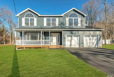 3 Brookvale Lake Grove NY 11755