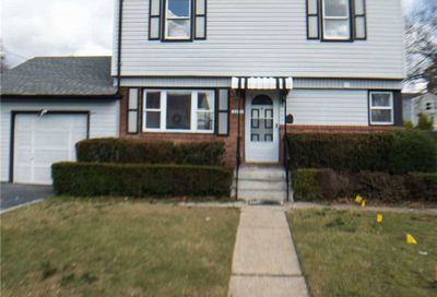 2221 4th St East Meadow NY 11554