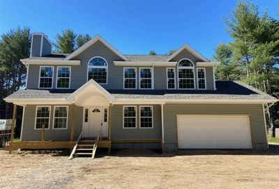 32 Middle Isl Blvd Middle Island NY 11953