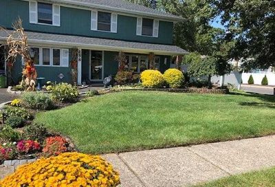 258 Hudson Ave Lake Grove NY 11755