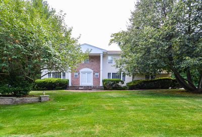 43 Louis Dr Melville NY 11747