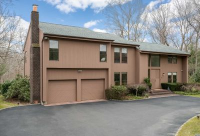 110 Tiber Rd Oyster Bay Cove NY 11791