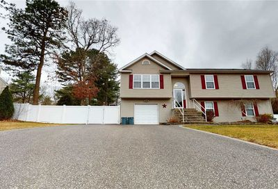 26 Summersweet Dr Middle Island NY 11953