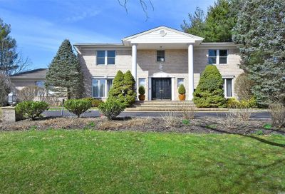2 Louis Dr Melville NY 11747