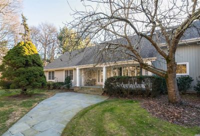 450 Annandale Dr Oyster Bay Cove NY 11791