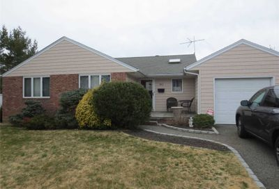 3811 Condit St Seaford NY 11783
