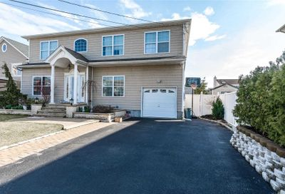 3634 Somerset Dr Seaford NY 11783