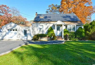 3 Melview Ct Melville NY 11747