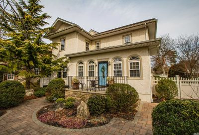 344 Plymouth Ave Brightwaters NY 11718