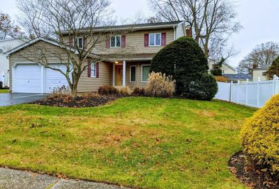 37 Morris Ave Lake Grove NY 11755