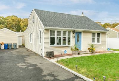 104 Hedges Ave E. Patchogue NY 11772