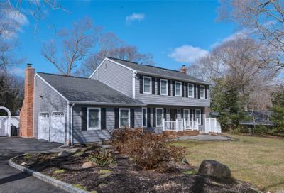 27 Woodland Rd Miller Place NY 11764