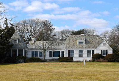 21 Thornhedge Rd Bellport Village NY 11713