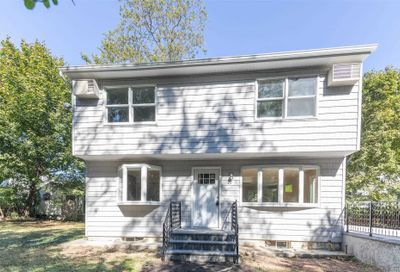 23 Gully Landing Rd Miller Place NY 11764