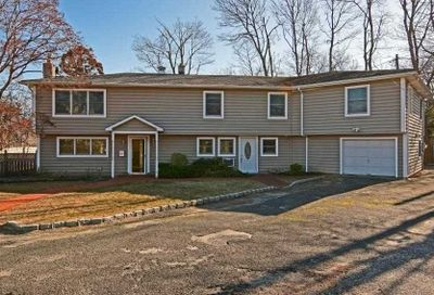 244 Middle Rd Blue Point NY 11715