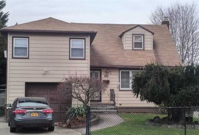 292 Greengrove Ave Uniondale NY 11553