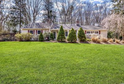 3 Valleyview Dr Northport NY 11768